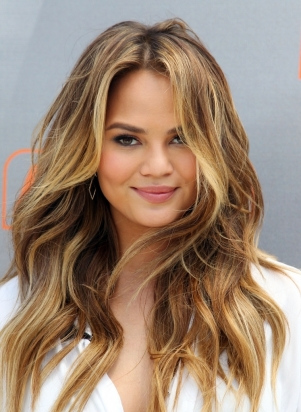 Haircut Long Beach 10 Celebrity Beach Waves Hair Looks You39ll Want To Copy